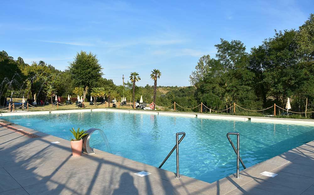 kiger swimmingpool campingplatz mit schwimmbad in. Black Bedroom Furniture Sets. Home Design Ideas