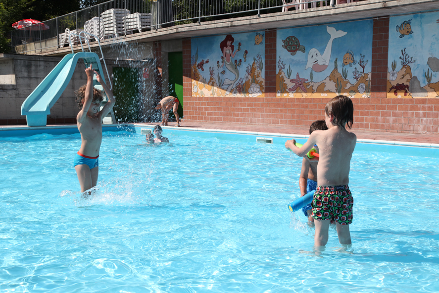 Campsite with swimming pool in emilia romagna camping for Arizona swimming pools